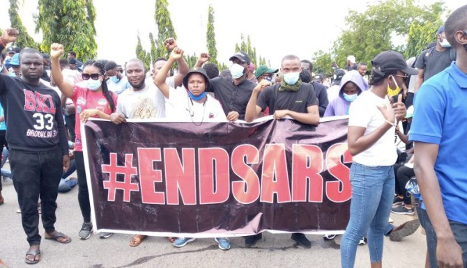 Police teargas, assault #EndSARS protesters in Abuja