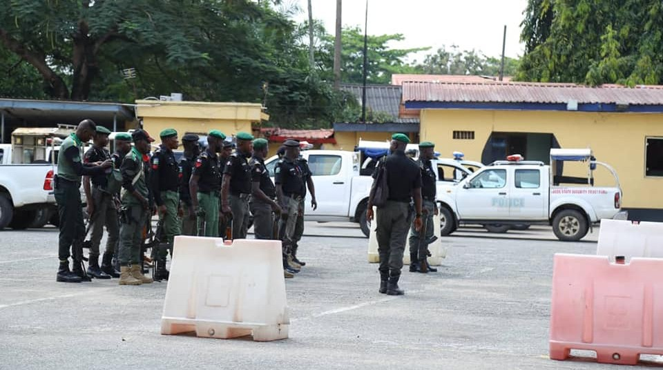 #EndSARS: Hoodlums looted 100 AK-47 rifles in Lagos police stations – Force committee