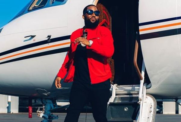 Cassper Nyovest does the #NokthulaGalaxyChallenge with UMG team (Video)