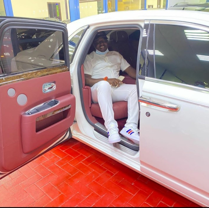 Nigerian Businessman Arrested For Flaunting Cash On IG Allegedly Dies In Dubai Police Custody