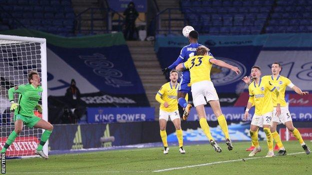 Iheanacho's late header sends Leicester to FA quarter finals