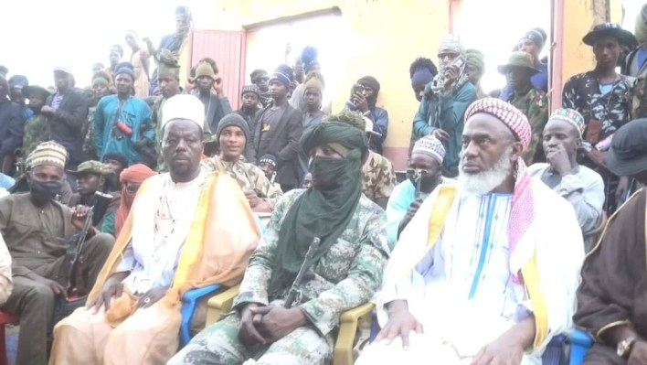 PHOTOS: Islamic Cleric meets with over 500 bandits in Zamfara, begs them to repent