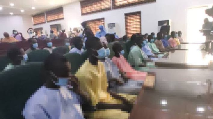 Niger gov receives rescued Kagara school students, others