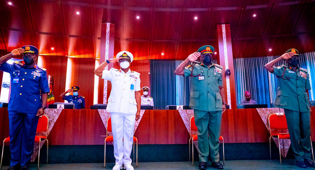President Buhari to Service chiefs: You have few weeks to secure the country