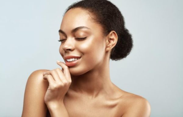 5 foods that makes your skin oily and lifeless