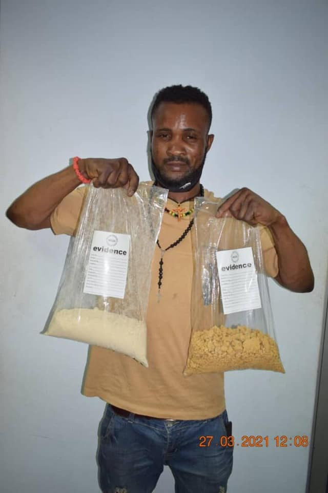 PHOTO: NDLEA arrests drug trafficker with N564m heroin at Abuja airport