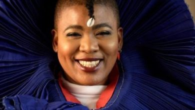 Thandiswa Mazwai remembers late mom today