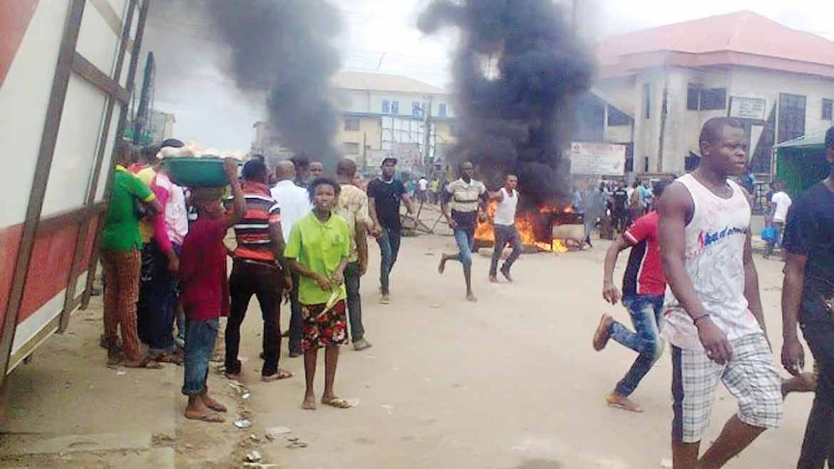 Angry mob attacks alleged killer of 14-year-old boy in Bayelsa
