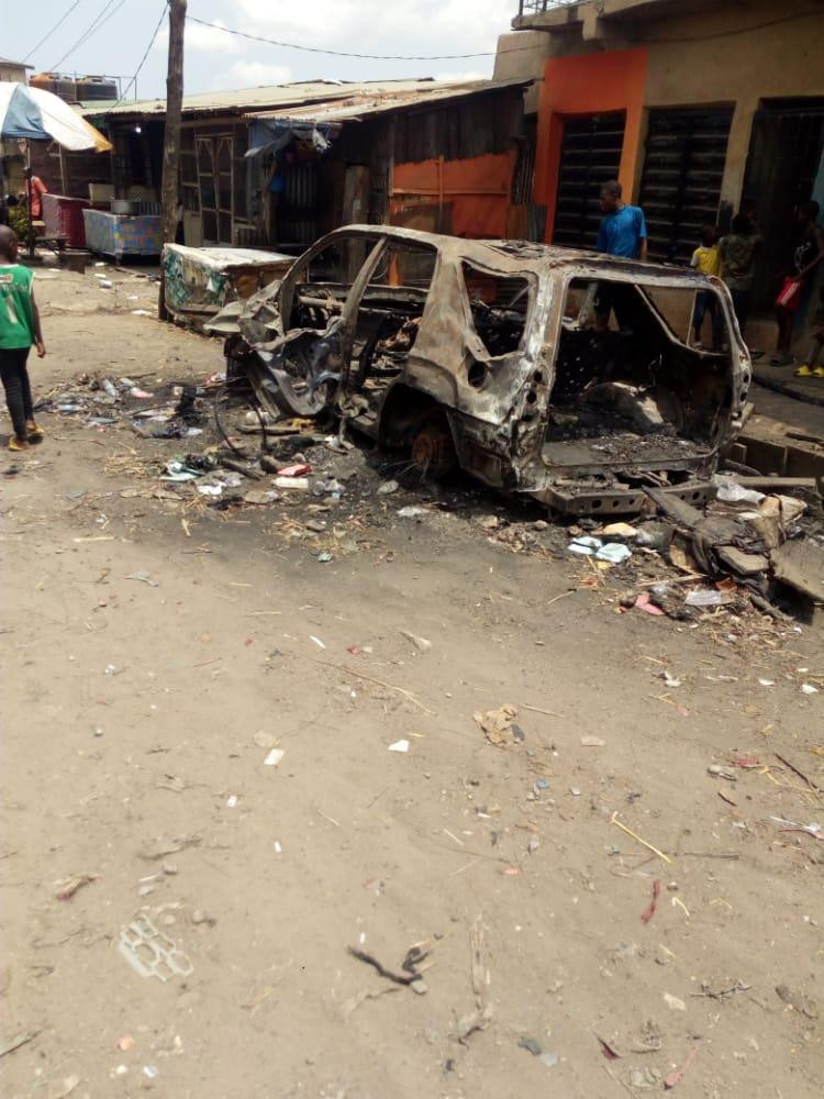 Angry youths attack vigilante commander, set car ablaze over blasphemy in Lagos