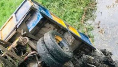 Motor boy narrowly escapes death in Ogun as truck plunges Into river