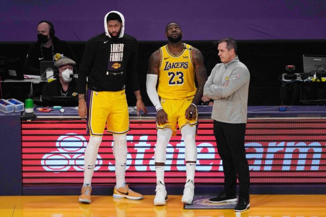 Lakers' Anthony Davis and LeBron James