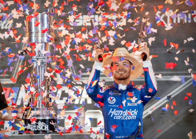 Kyle Larson Praises 'Awesome' Race Car After Notching a Hat-Trick of Wins