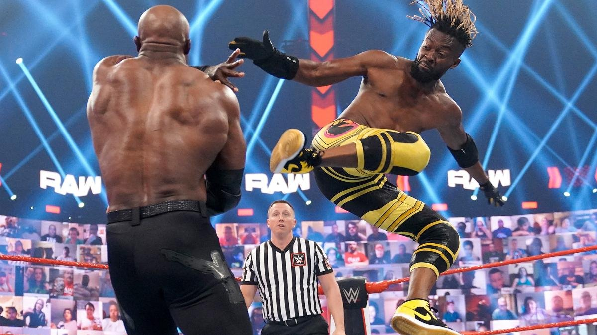 Bobby Lashley Snaps on WWE RAW! Brutally Attacks Xavier Woods Inside Hell in a Cell