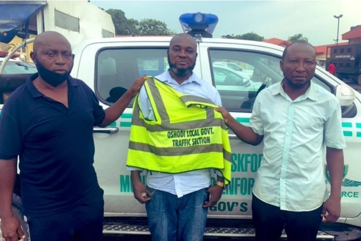Three arrested for extorting motorists in Oshodi