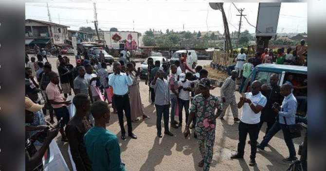 June 12: Youths stage massive rally in Osogbo as businesses shut down (PHOTOS)