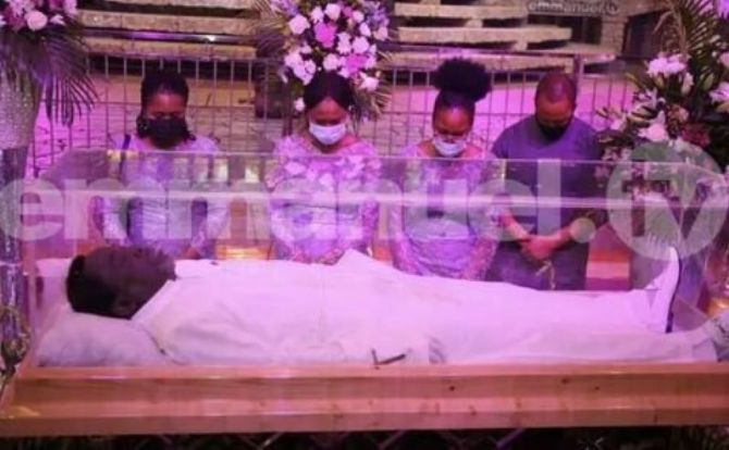 Video of TB Joshua's wife and children arriving for his lying-in-state