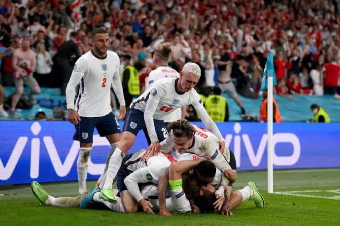 BREAKING: England beat Denmark to reach first major final in 55 years