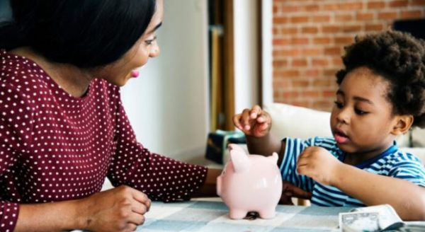 5 money mistakes you are teaching your kids