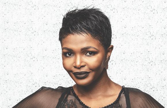 Simphiwe Dana signs with Universal Music