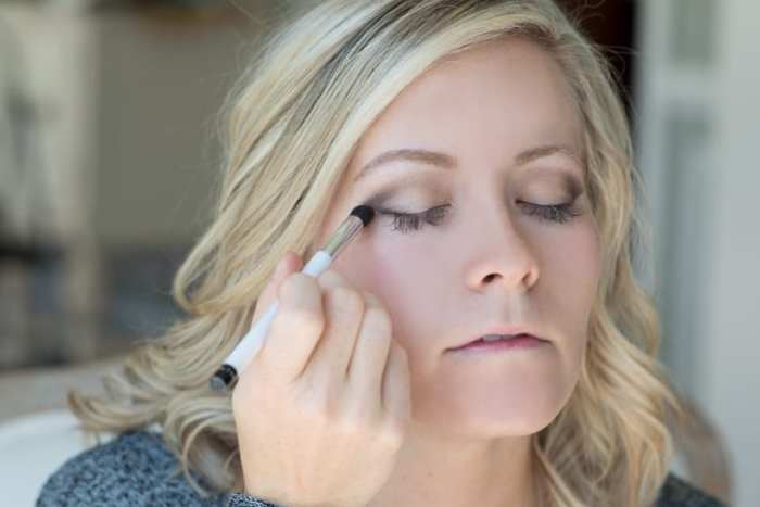 Blogger, Ashley Pletcher shares a few secret tips to her flawless Fall make up routine.