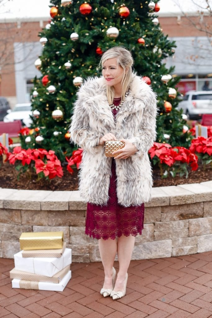 holiday-glam-chicwish-dress-burgundy-dress-faux-fur-4
