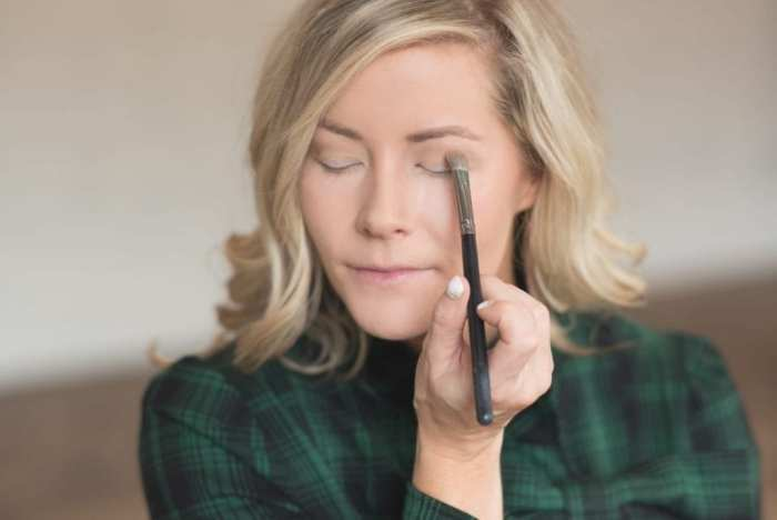 holiday-make-up-how-to-get-glam-3