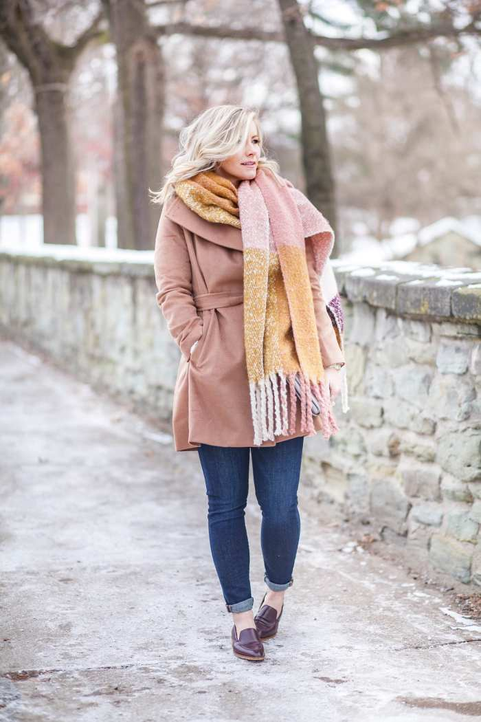 how to wear an oversized scarf winter fashion