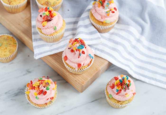 Fruity Pebble Cupcake Recipe - Cereal Cupcakes - Food - Video