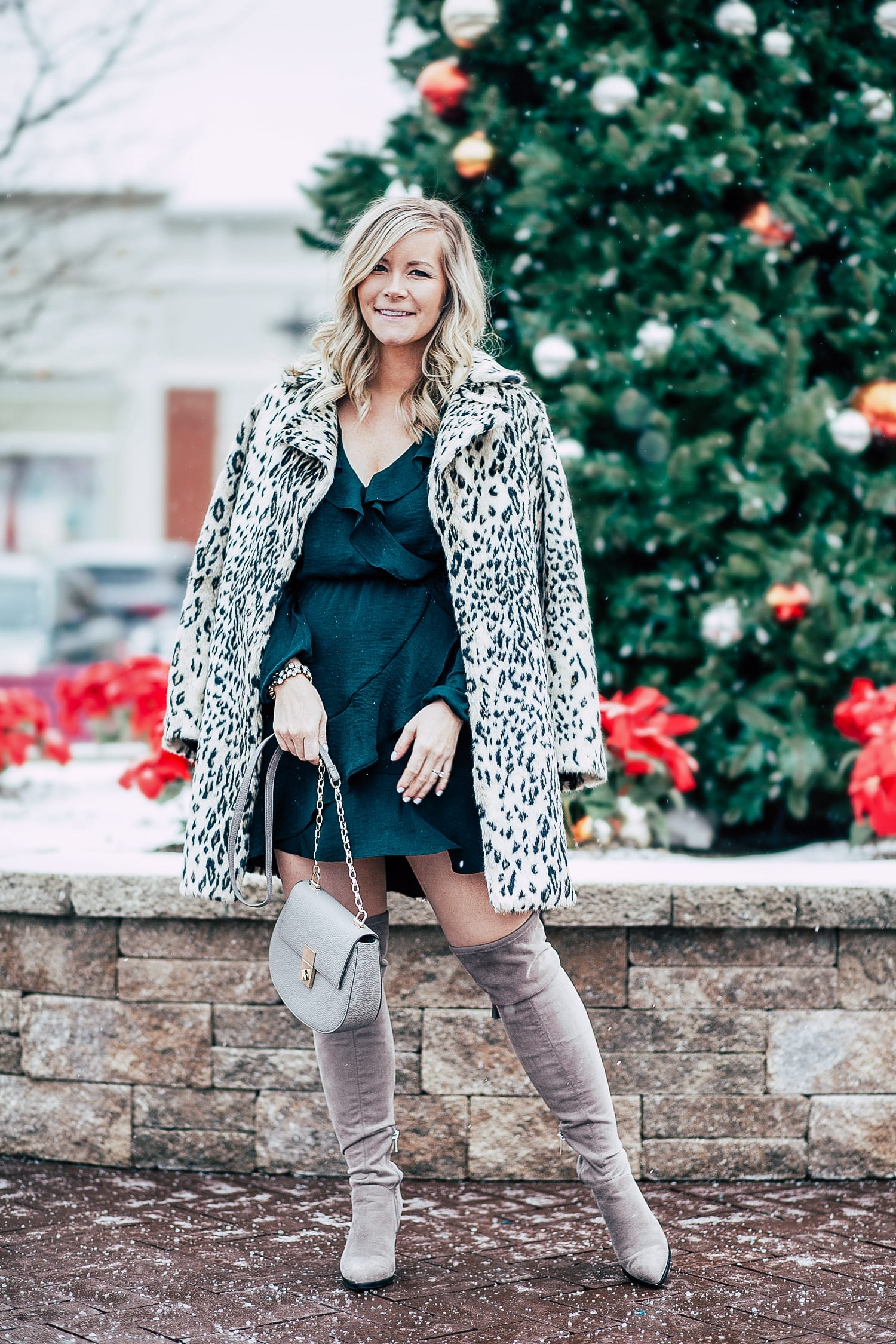 The Perfect Holiday Dress + Day 11 Giveaway with 7 Charming Sisters!
