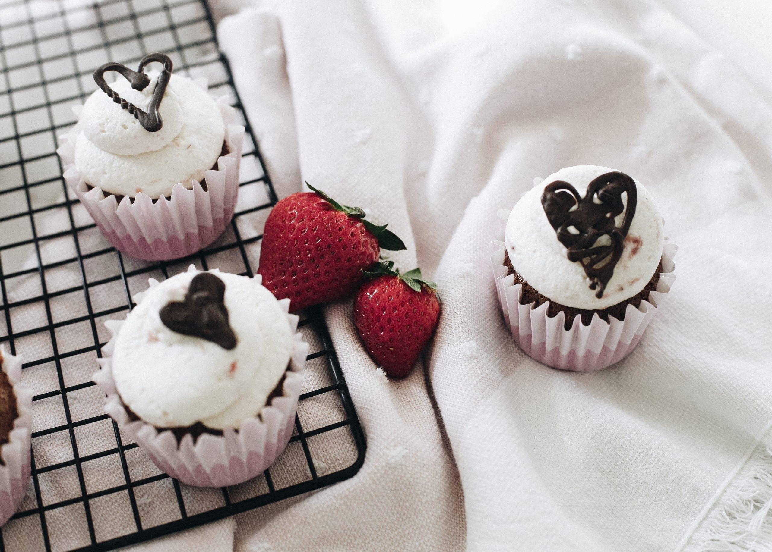 Be My Valentine: Chocolate Angel Food Cupcake Recipe