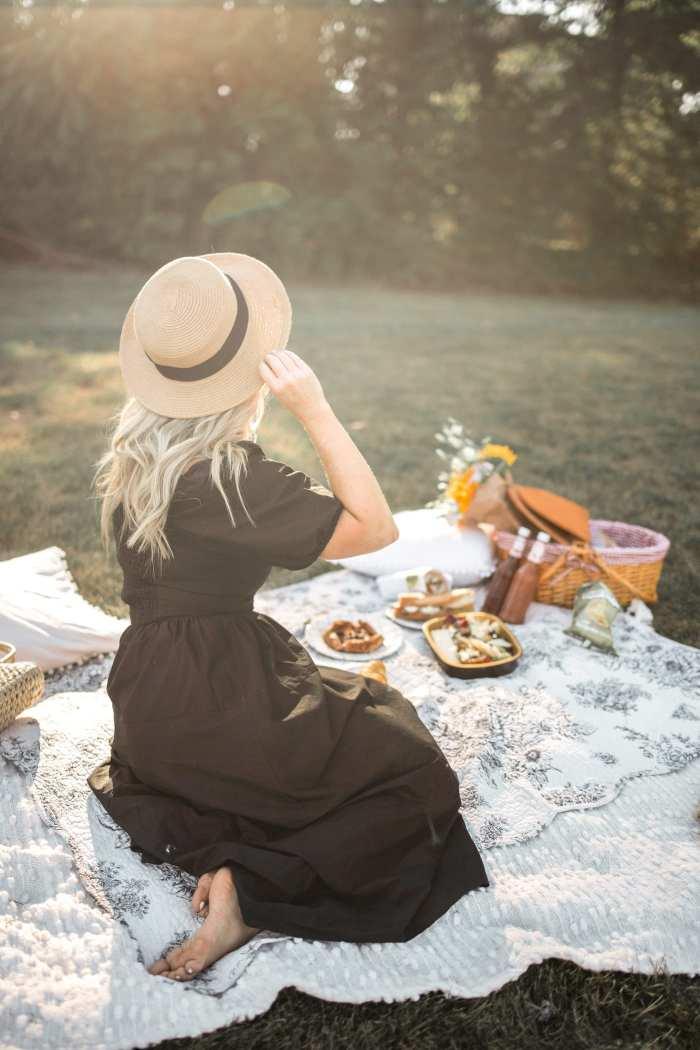 Dining Al Fresco - Mediterra Cafe- Pittsburgh- Ashley Pletcher- Family Picnic- Parisian Style Picnic