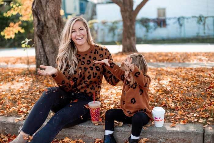National Dunkin' Day - National Coffee Day- Afternoon Espresso- Coffee Lover- Mother Daughter Dates - Pittsburgh- Fall Outfit Idea- Mommy and me outfit