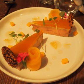 Duck foie gras terrine, cantaloup melón and bergamot gelée / Terrine de foie gras de canard, melon cantaloup melón et gelée de bergamotte