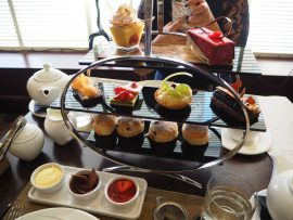 Chocoholic Afternoon Tea at The Hilton Park Lane, London - Review ★★☆☆☆