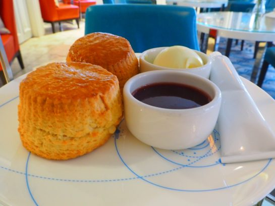Scones & toppings (clotted cream,strawberry preserve and honey-toffee squeeze tube)