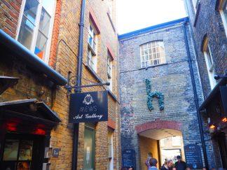 Mews of Mayfair - Alley & Courtyard
