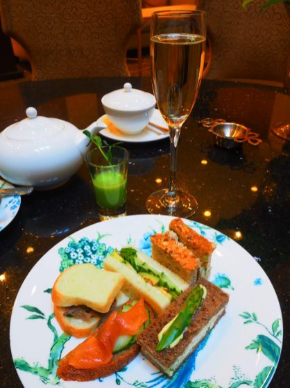 """The Amuse-bouche """" Sweet-pea shooter"""" & Savouries"""