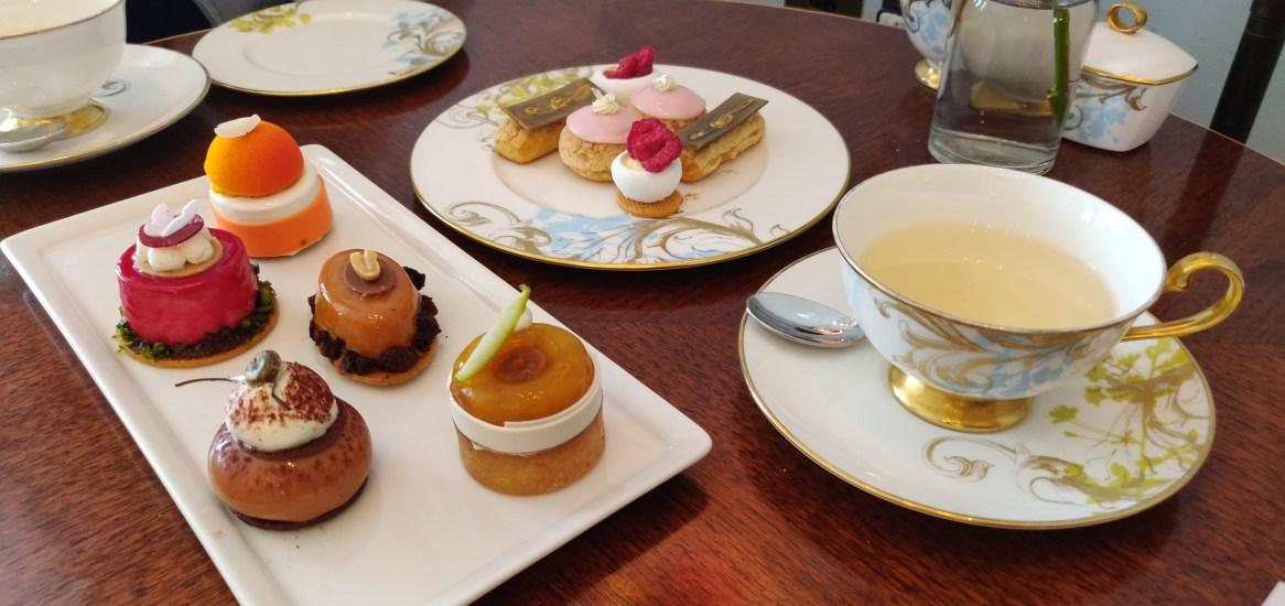The 1920's MO London Afternoon Tea Cakes & Mignardises