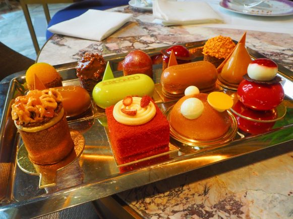 Cakes & Sweets / Pâtisseries- Tea & Savouries / Thé & Salé - Afternoon Tea / Tea Time - Hôtel de Crillon Paris