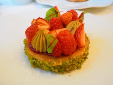 Red fruit and pistachio tart / Tarte aux fruits rouges et aux pistaches de Sicile