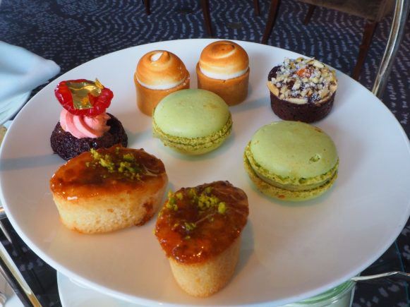 The afternoon tea Cakes & Sweets