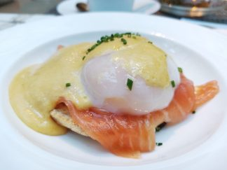 Egg-benedict with smoked salmon
