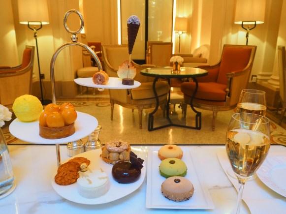 Cakes & Sweets / Gâteaux & Pâtisseries