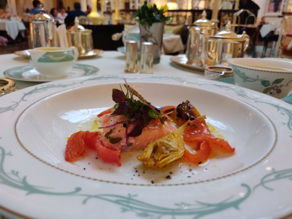 Salmon with artichokes (High tea)
