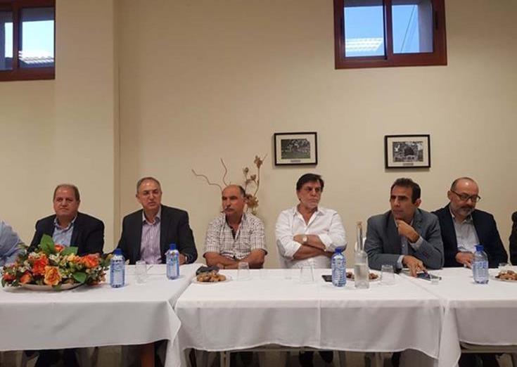 Διαβεβαίωση Υπουργού Γεωργίας σε κοινότητες Κρασοχωριών Λεμεσού για αντιμετώπιση προβλημάτων