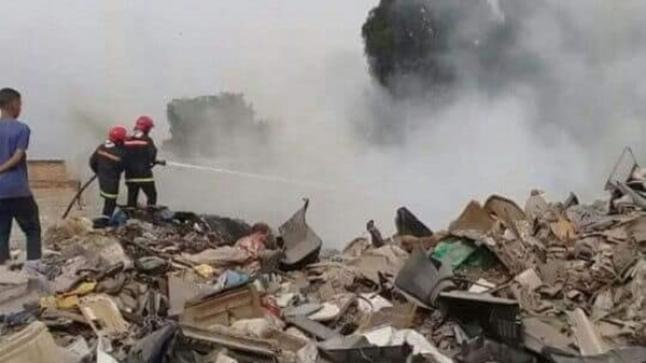 خسائر كبيرة يخلفها حريق سوق المتلاشيات بإنزكان