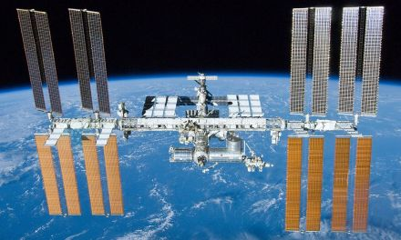 ATG Quirkies: Astronauts Like to Read Sci-Fi
