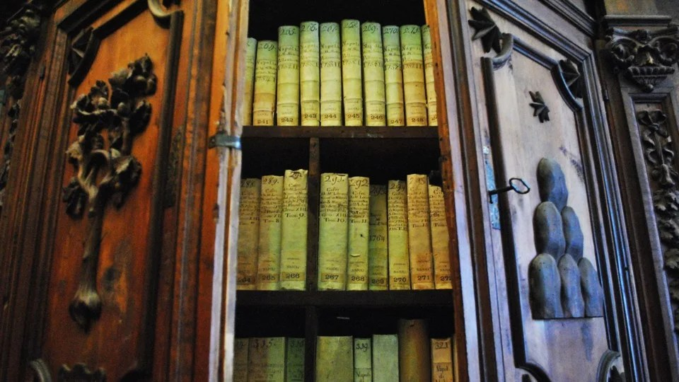 ATG Quirkies: Vatican Secret Archives Opened Up by AI
