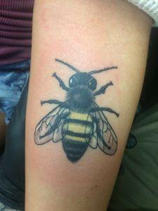 bumble_bee_tattoo
