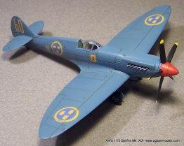 Airfix_Spitfire_MkXIX-1